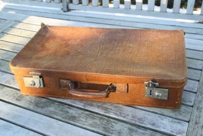 antiker koffer lederkoffer reisekoffer deko vintage sammlerkoffer kinderkoffer ebay. Black Bedroom Furniture Sets. Home Design Ideas