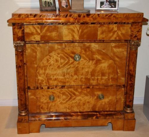 antike kommode empire birke korinthische s ule norddeutsch 3 sch be ebay. Black Bedroom Furniture Sets. Home Design Ideas