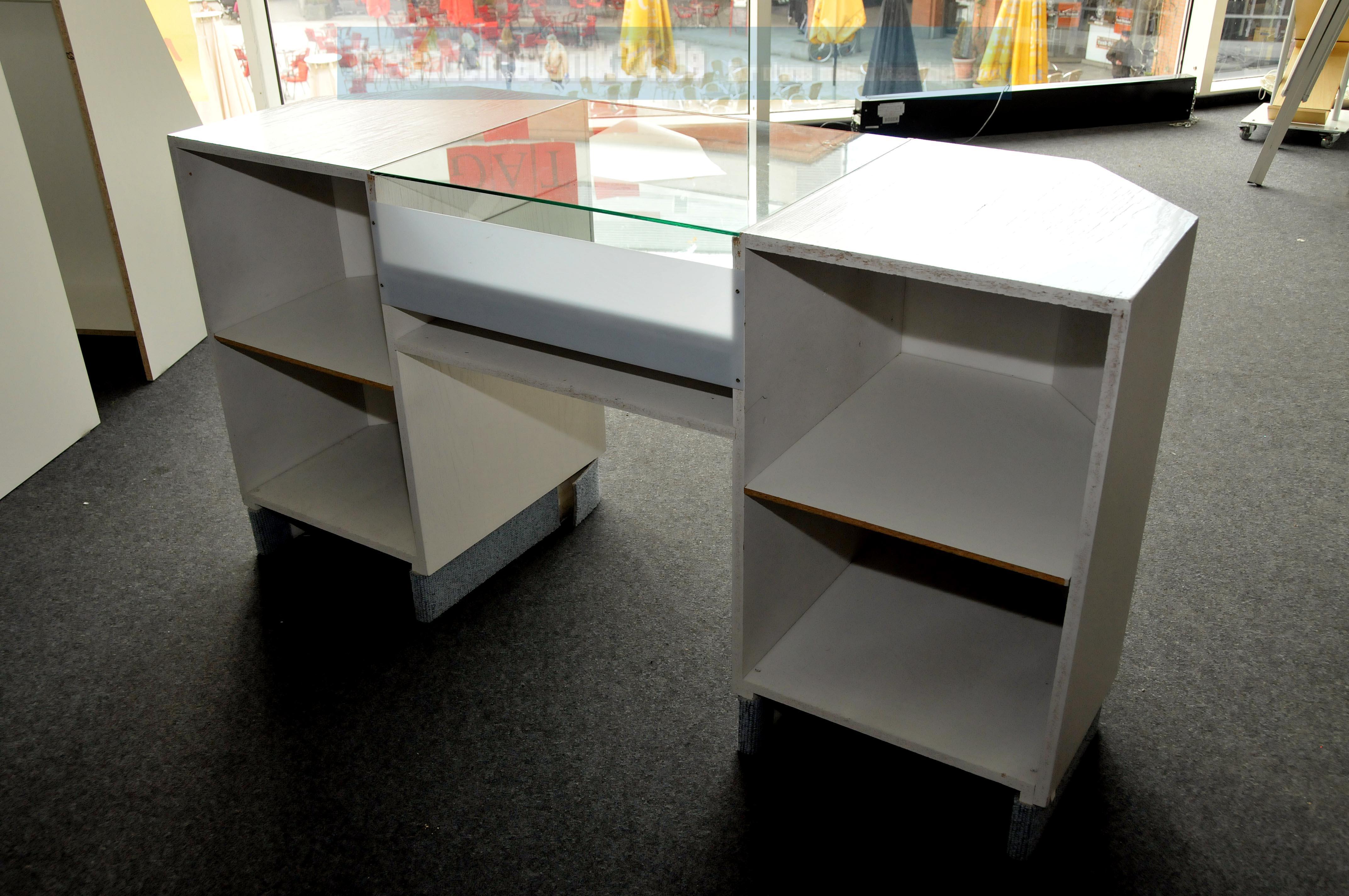 verkaufstheke holz mit glasplatte und spiegelboden 165x57x86cm wei creme mit ebay. Black Bedroom Furniture Sets. Home Design Ideas