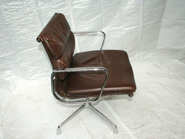 vitra eames alu chair leder braun ea 208 softpad design. Black Bedroom Furniture Sets. Home Design Ideas
