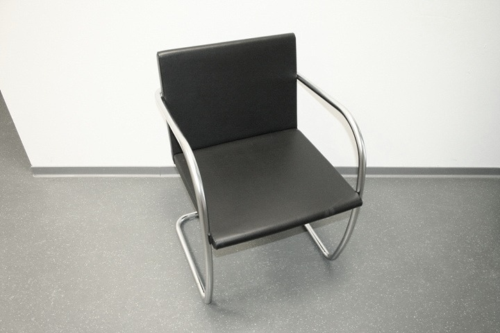 knoll leder freischwinger brno konferenzstuhl. Black Bedroom Furniture Sets. Home Design Ideas