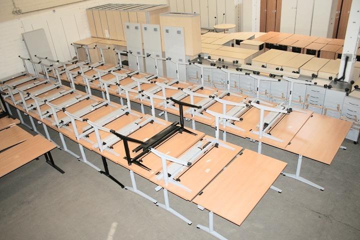 Schreibtisch in ahorn bogenform von sch rf top angebot for Schreibtisch aus ahorn