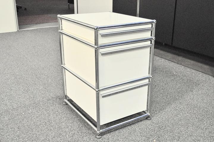 Büromöbel design klassiker  USM Haller Design Container Standcontainer 3 Schübe cremeweiß ...