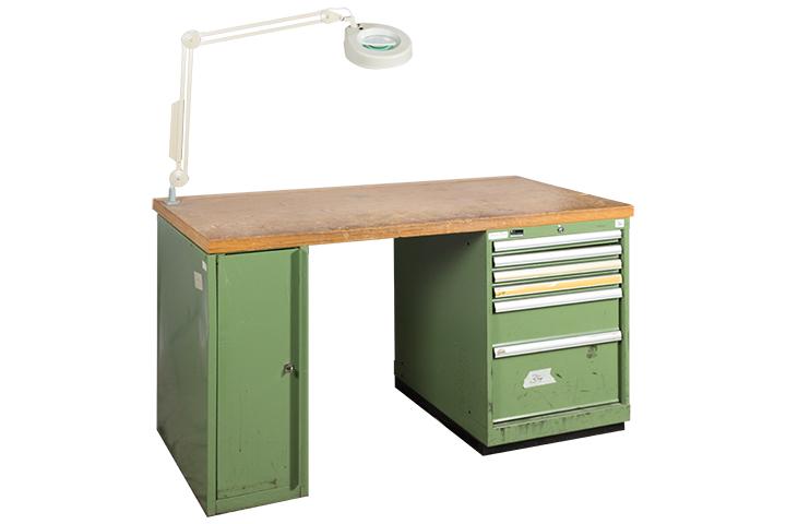 werkbank mit schraubstock lista dick resedagr n. Black Bedroom Furniture Sets. Home Design Ideas