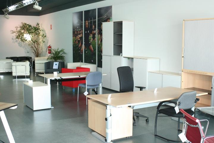schreibtisch arbeitstisch pc b rotisch in ahorn von bene b rom bel 160 x 80 cm. Black Bedroom Furniture Sets. Home Design Ideas