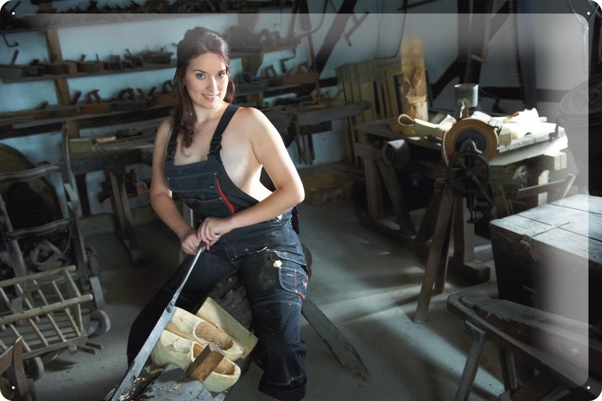 blechschild pin up erotik deko clogs werkbank metall wand schild 20x30 cm ebay. Black Bedroom Furniture Sets. Home Design Ideas
