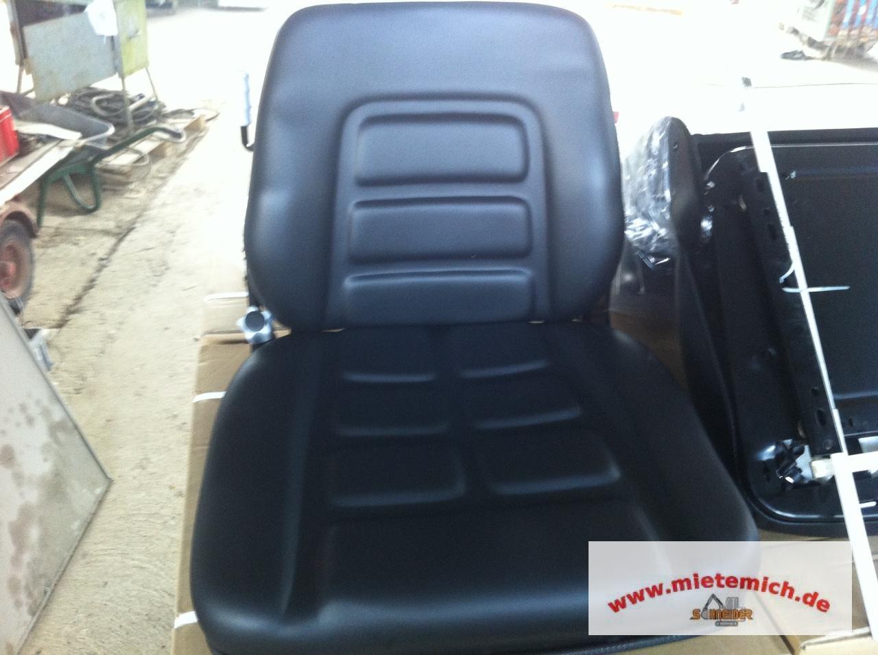 baumaschinensitze traktorensitze kransitze. Black Bedroom Furniture Sets. Home Design Ideas